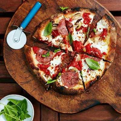 Medium wood firedpizza