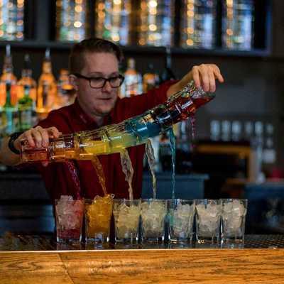 Medium bartender