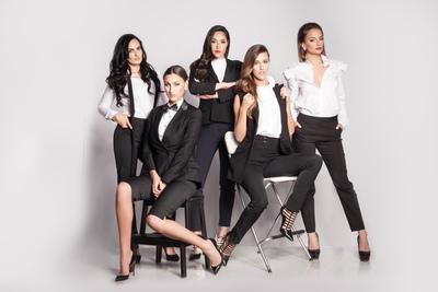 Medium conciergeclubgroupsuits