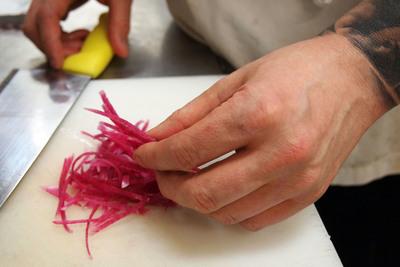 Medium chefchoppingradish